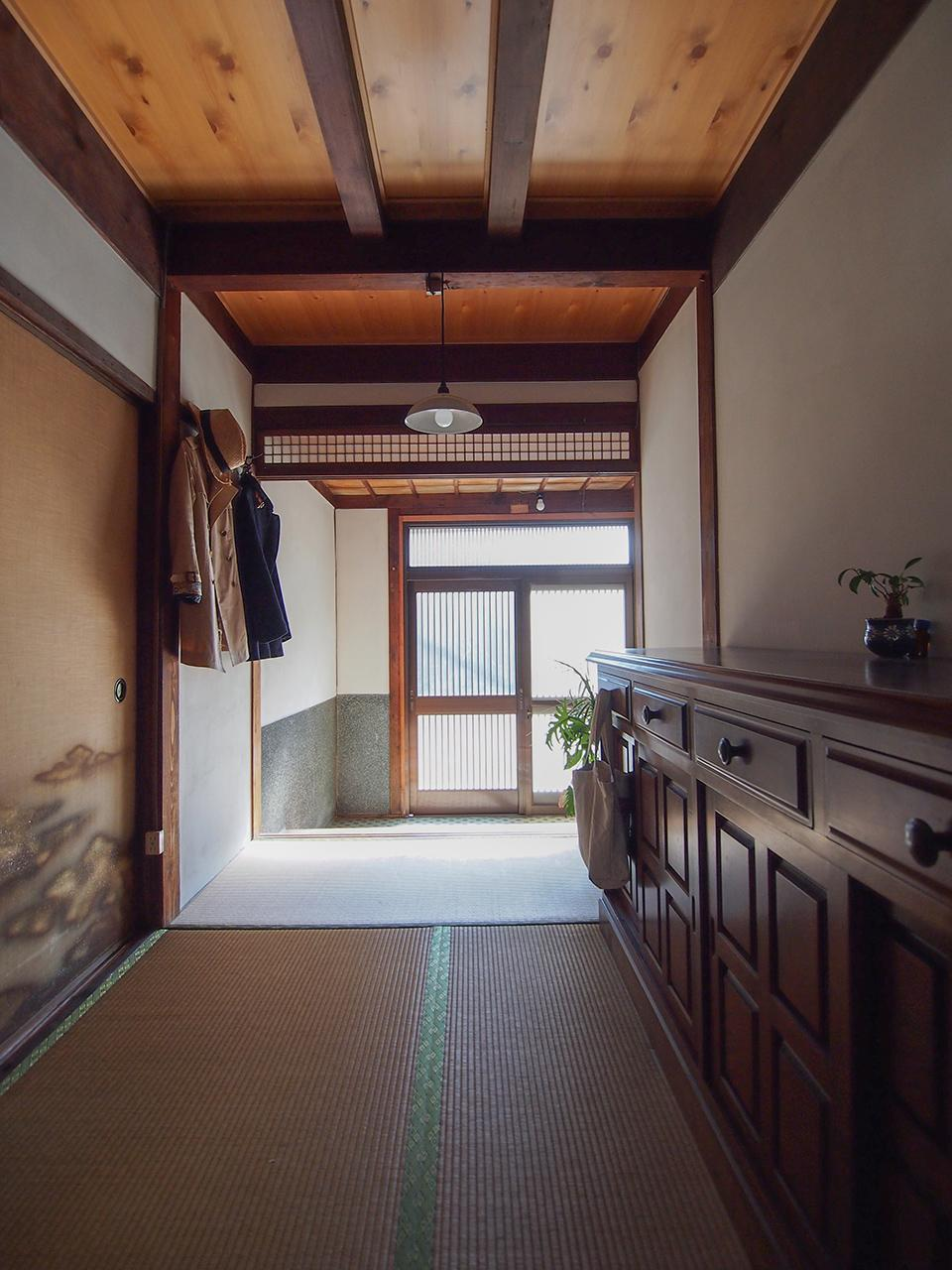 珍しい畳の玄関ホール