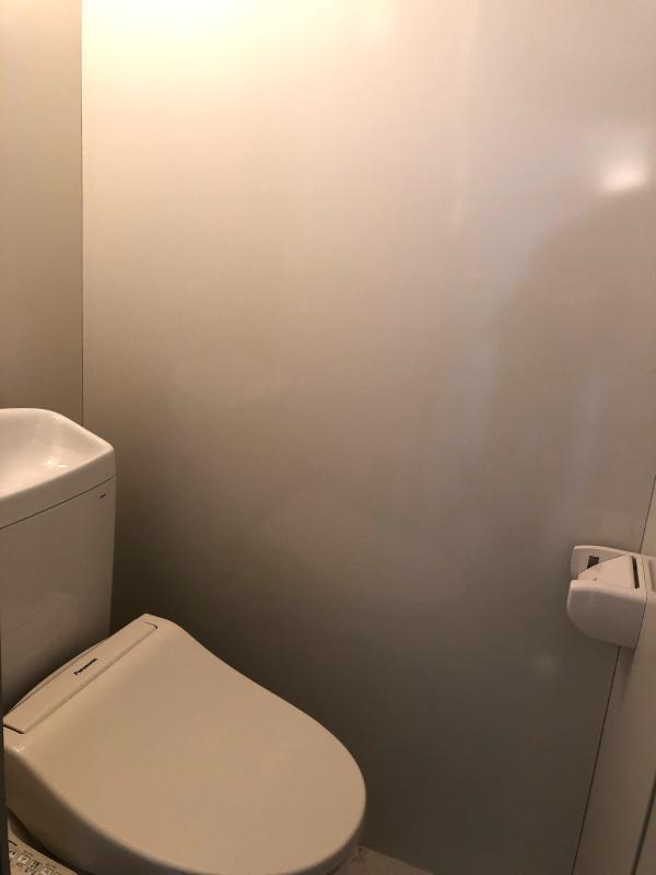トイレは新品に交換済みです。