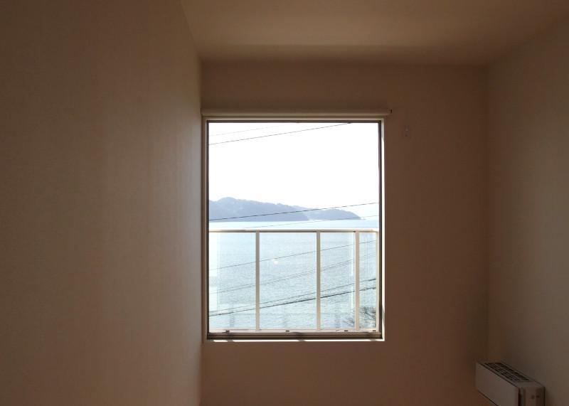 こういう場所だと窓がアートを生み出します。