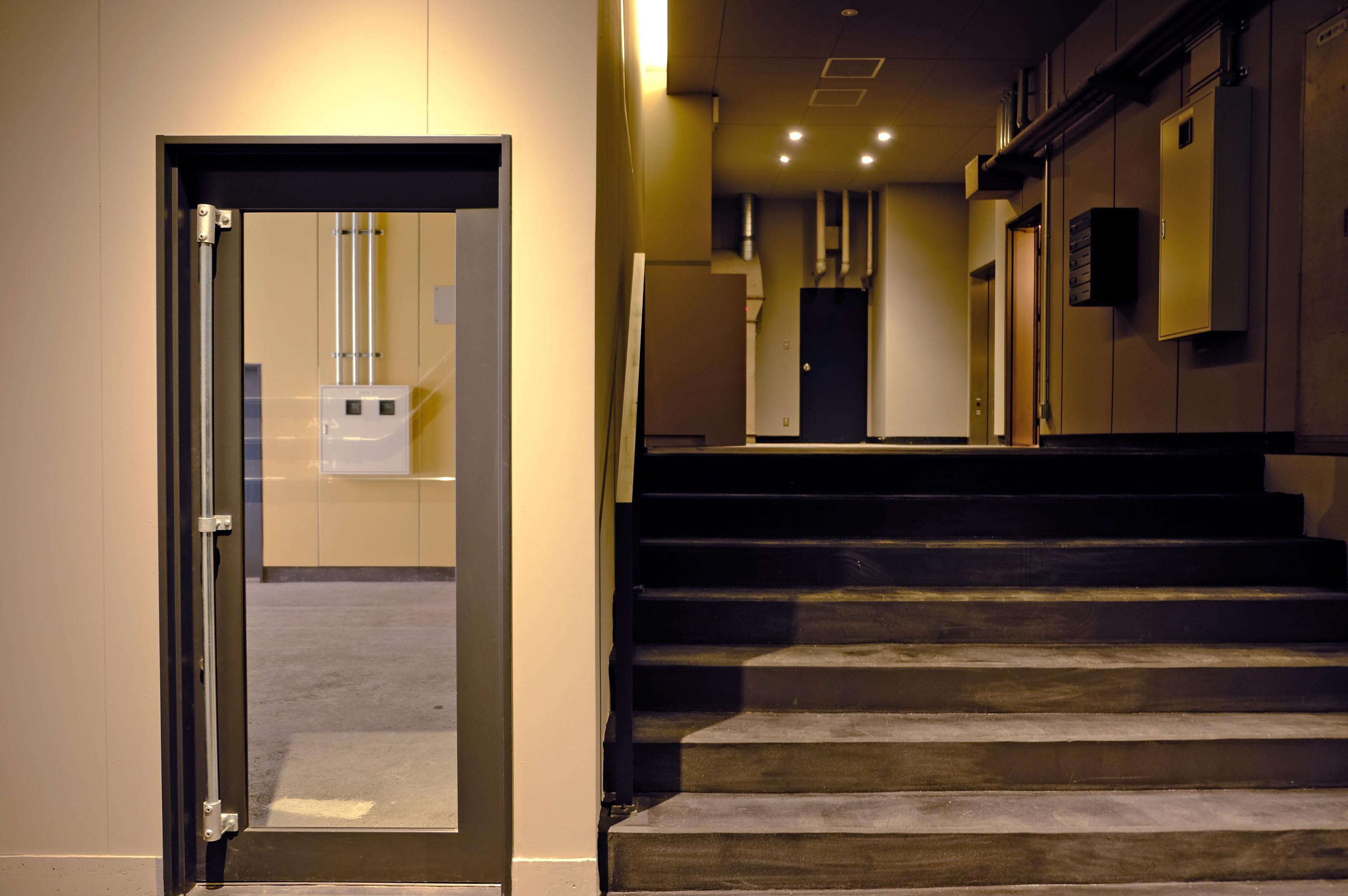 オフィスエントランスからの入口。オフィスワーカーにとっても憩いの場に。