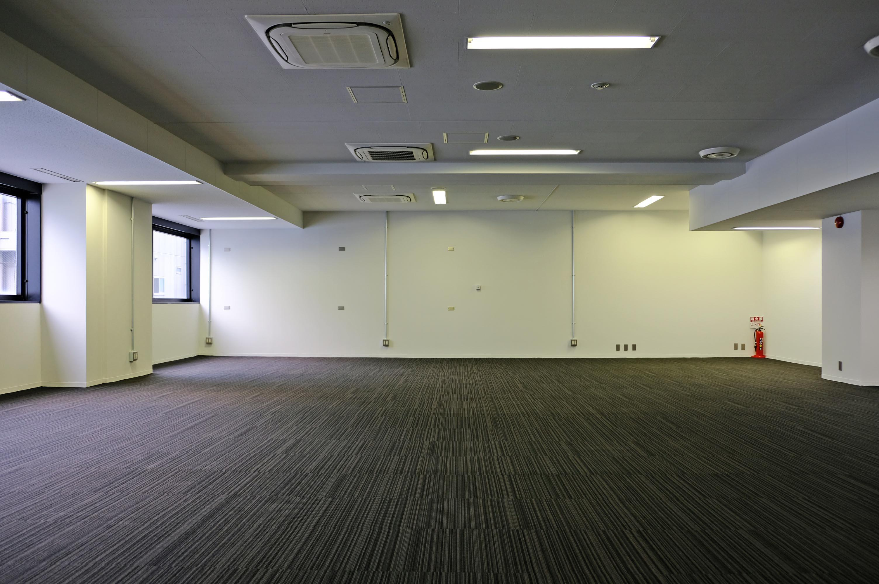 こちらの部屋がメインで大きなオフィス空間。