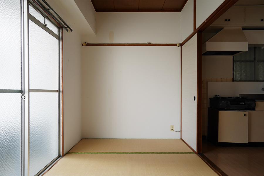 ダイニング脇の和室。