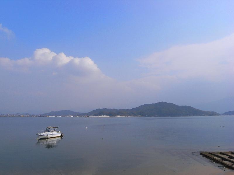 そして少し歩けば船越湾の海岸にも
