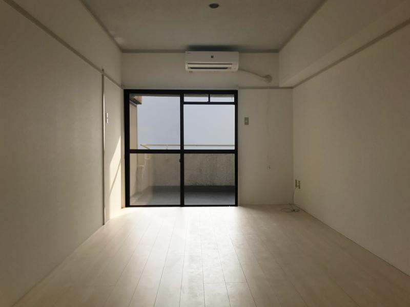 改装により和室から洋室へ