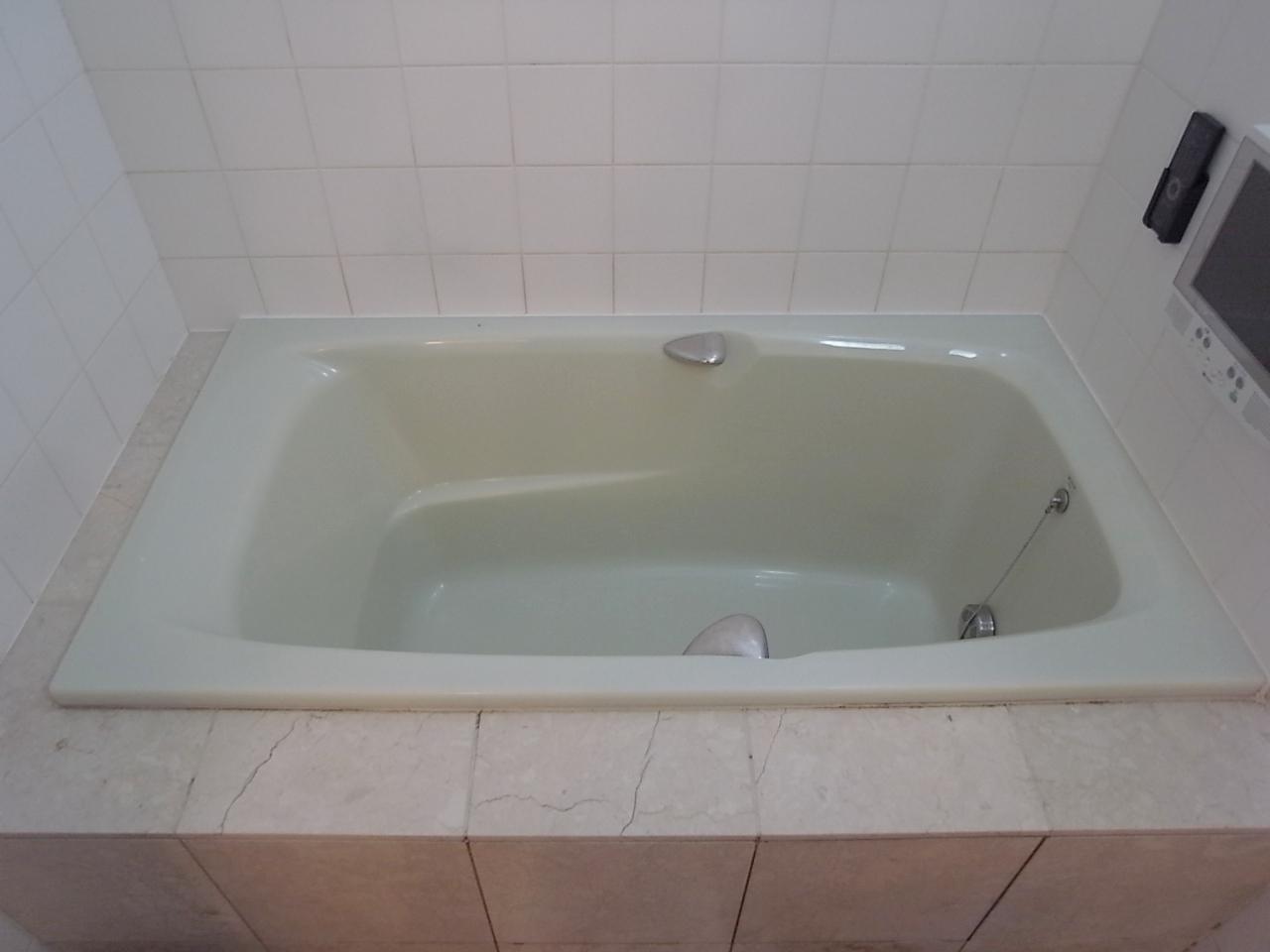 重装備でもシースルーでもなくなったけど、在来工法が素敵なお風呂さ。