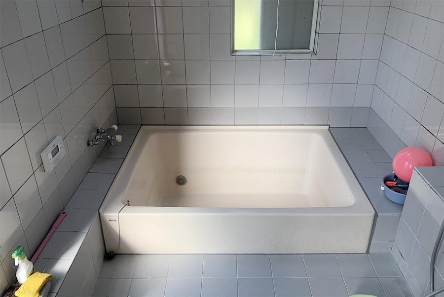 浴室。写真で感じる以上に大きいのでお楽しみに。