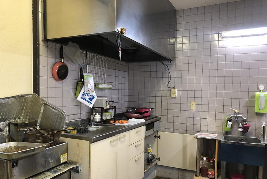 キッチン。ここは改修をオススメ。