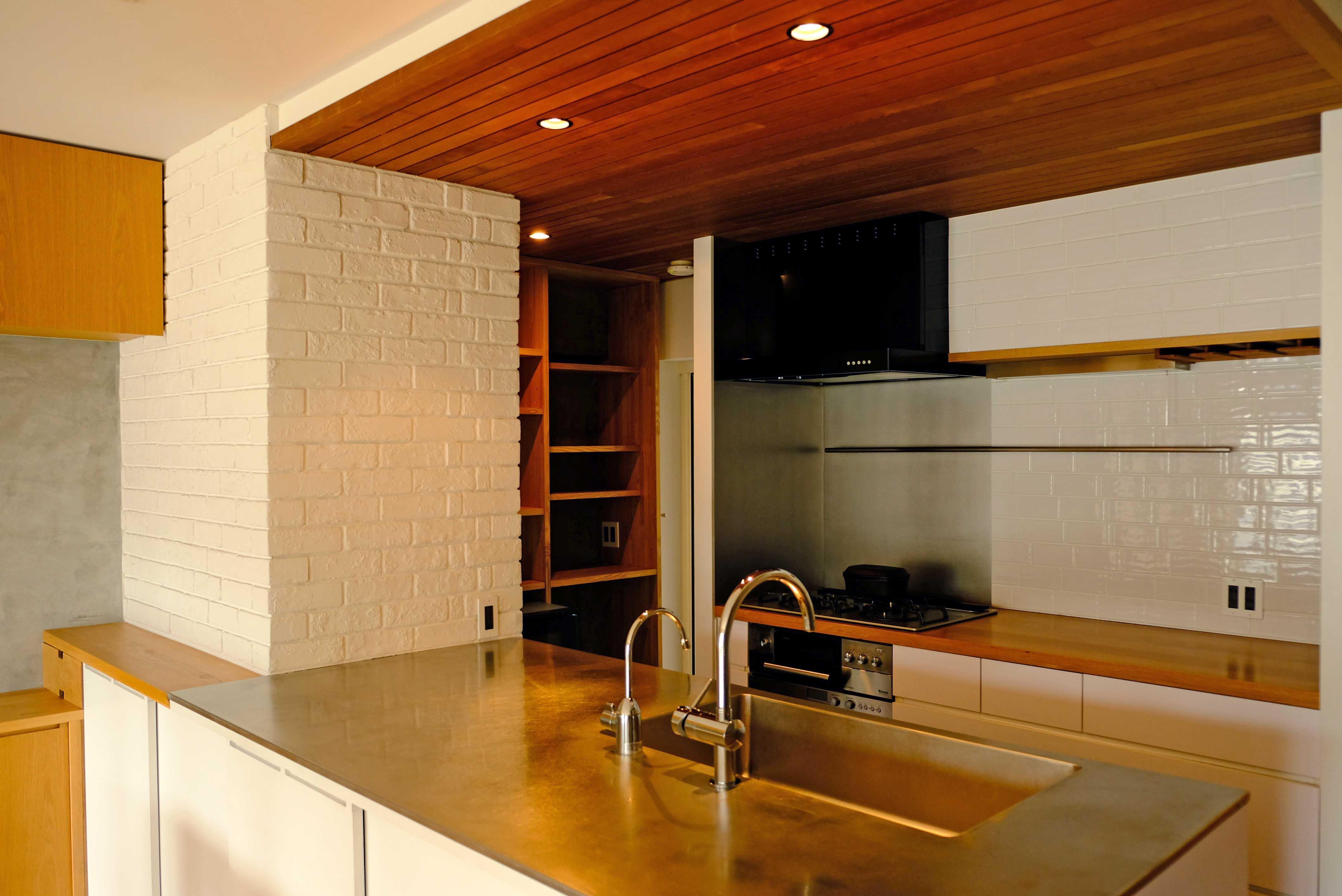 充実のキッチンもこの部屋の顔のひとつ