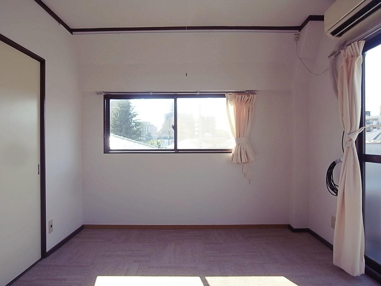 3F6帖洋室。エアコンついてます。