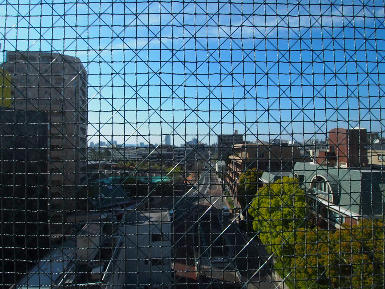もう1面は西新方面に抜けた眺望。ヤフオクドームも見えます。