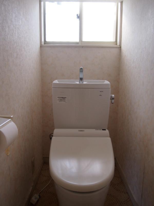 いつもトイレのコメントに迷います。スタンダードです。