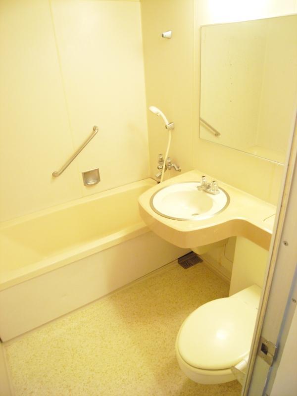 浴槽とトイレは一緒になります
