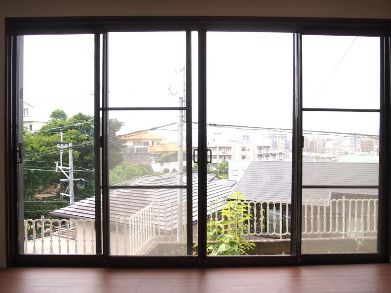 窓が広いって気持ちいいですね。