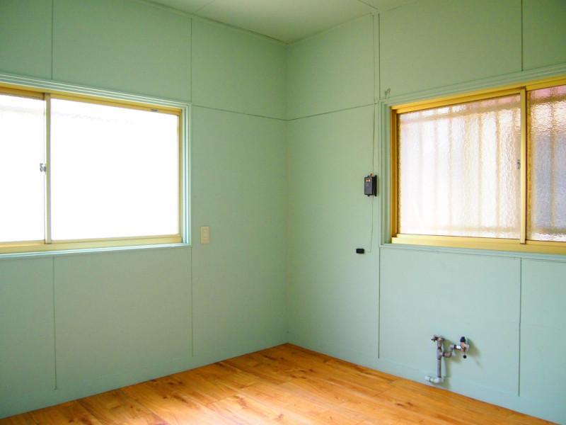 1階の一部屋は作業室みたいになってました。