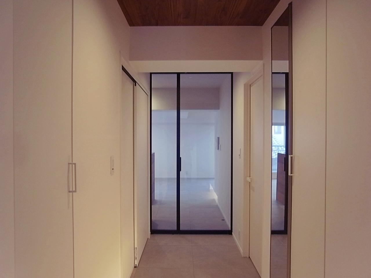 レトロマンションの玄関開けたらこれって、すごいギャプ萌え。