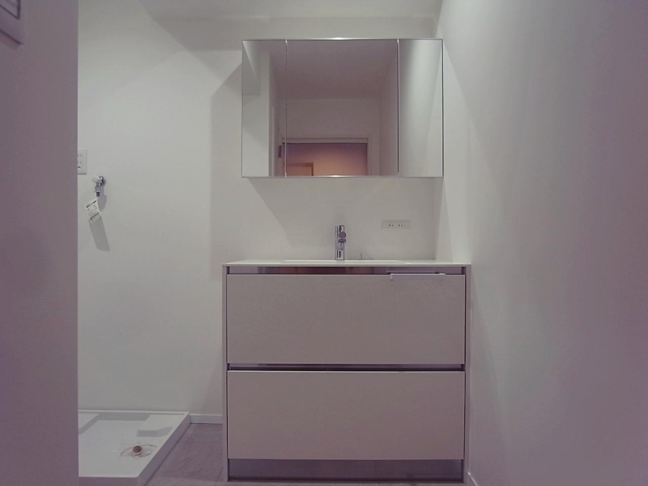 洗面脱衣所。ふむふむ、使いやすい。