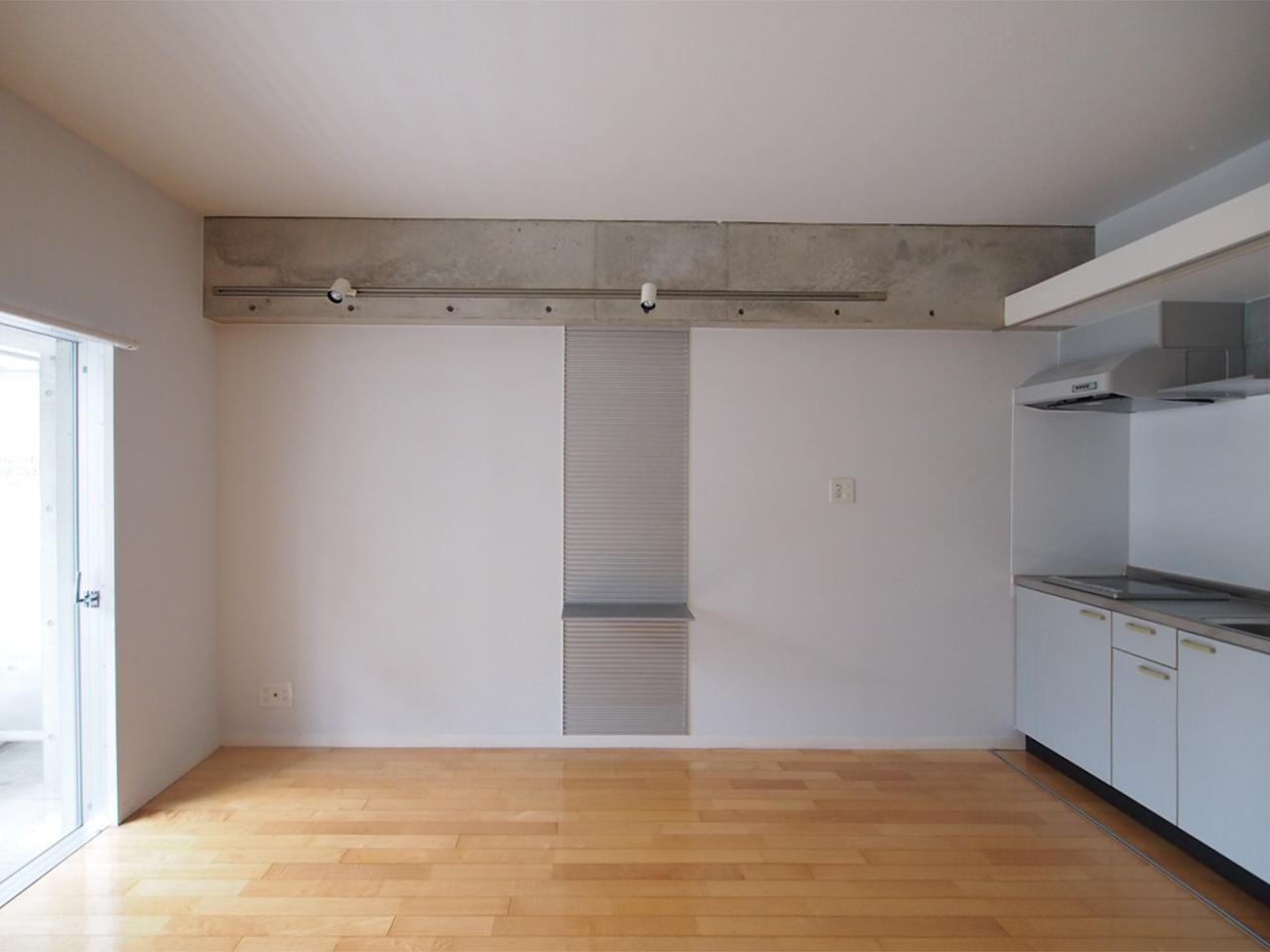 壁面棚は棚板の位置を変更できます