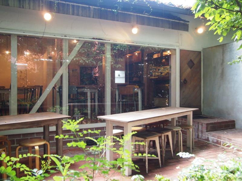 緑の中のカフェテラス (福岡市中央区赤坂 の物件) - 福岡R不動産