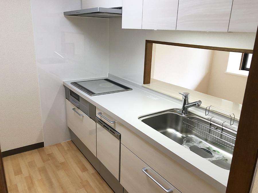 キッチンは2018年12月に更新済み。