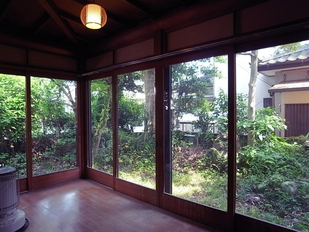 和室ゆったりと囲む広縁。気持ちいい。