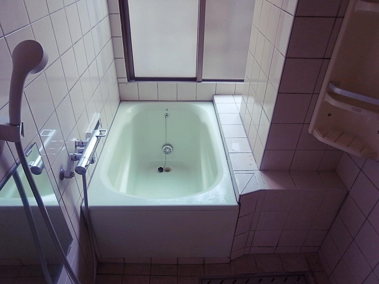 キッチン同様、設備保証外。浴室に窓があると嬉しい。