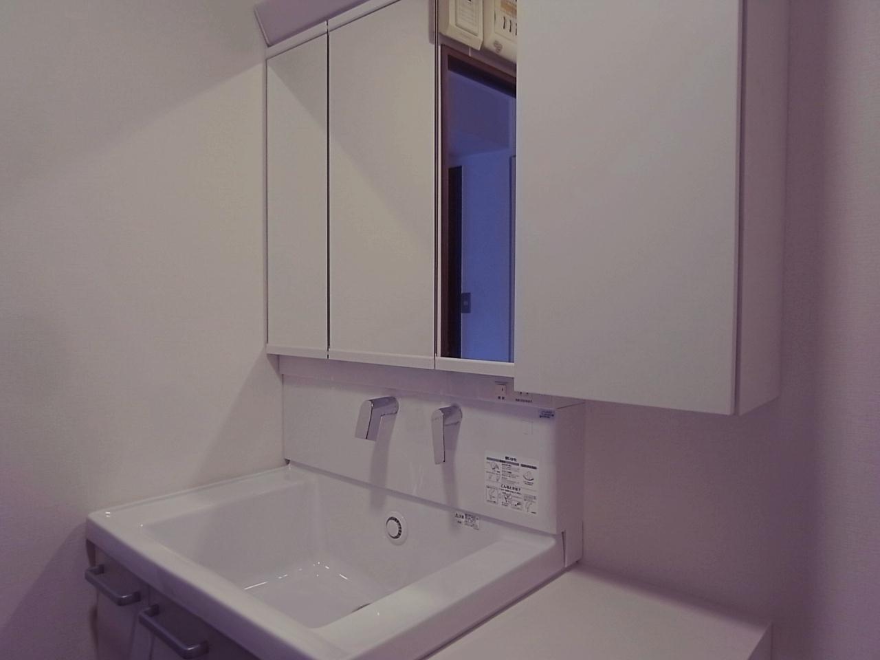 洗面台も入れ替えました。