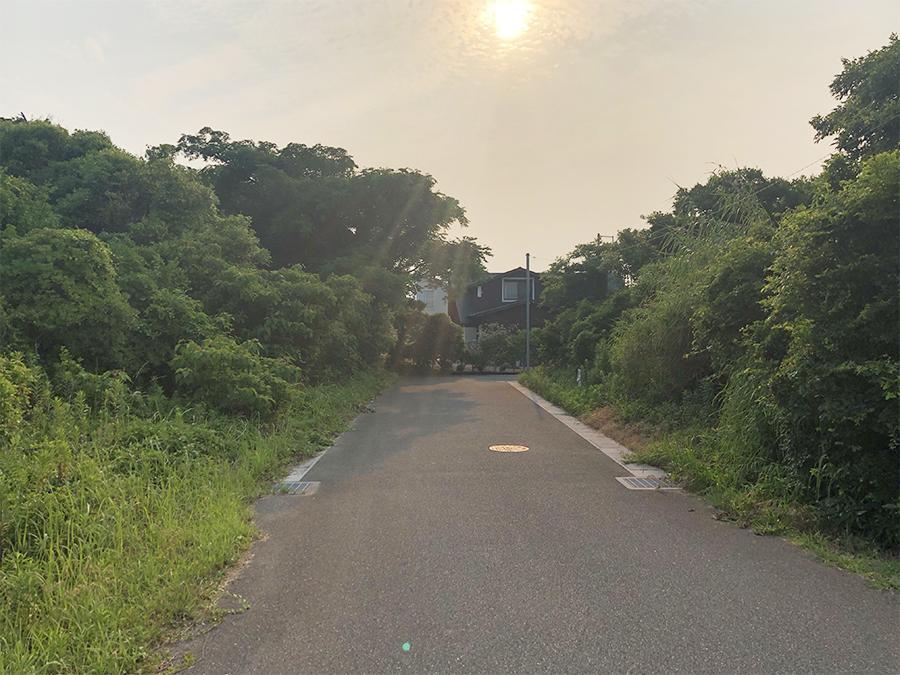 住宅街への入り口。