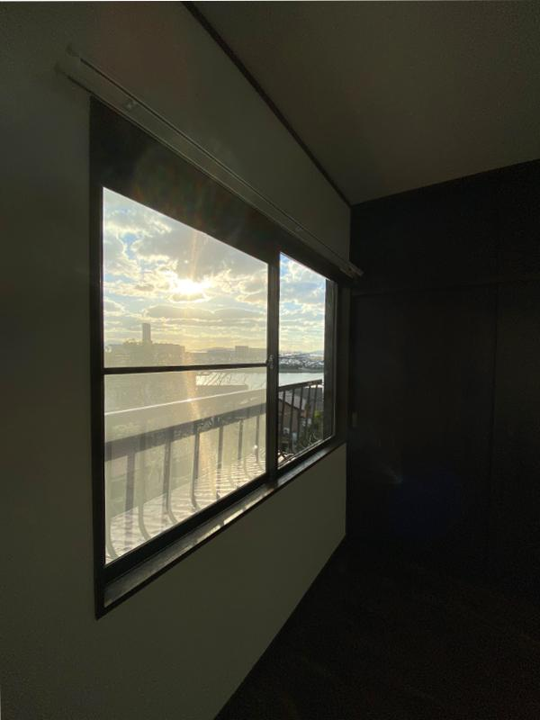一番東側の2階洋室からは角度をつけると海ビューも