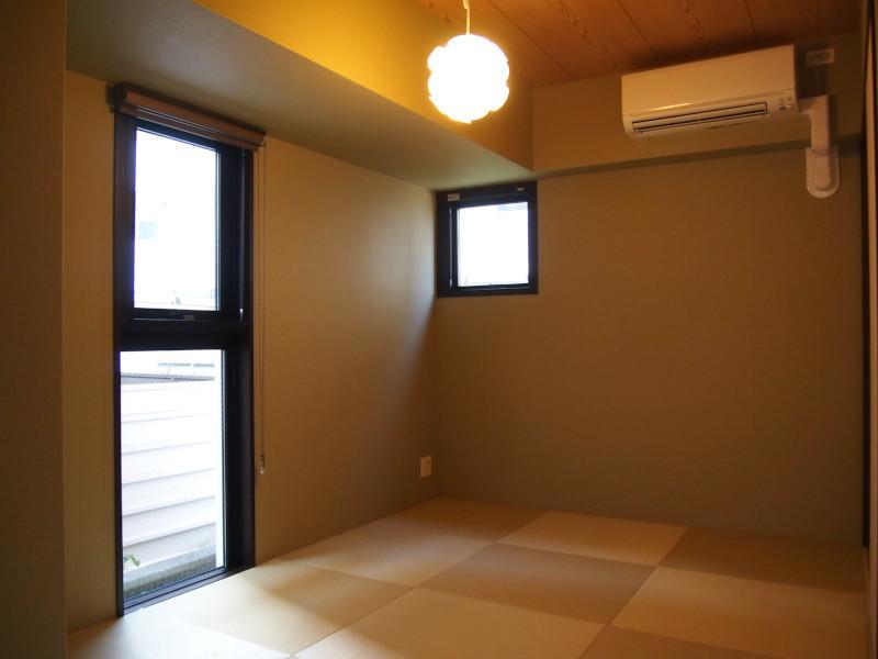 小気味よい和室は琉球畳。