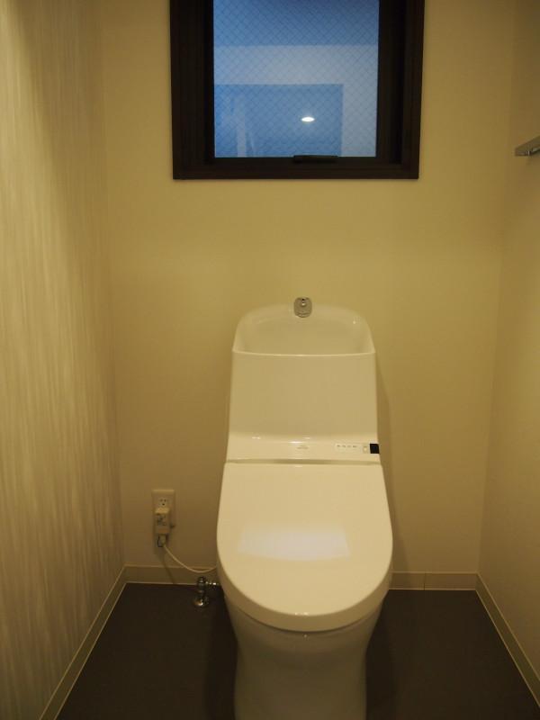 トイレにもしっかり開口部が。