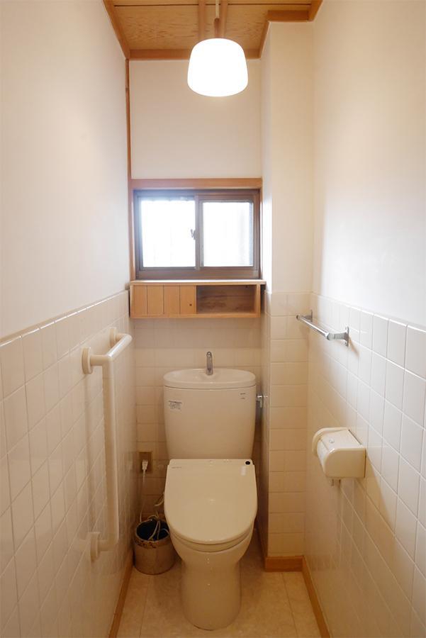 トイレはきっちり新しめ。2Fにもあります!