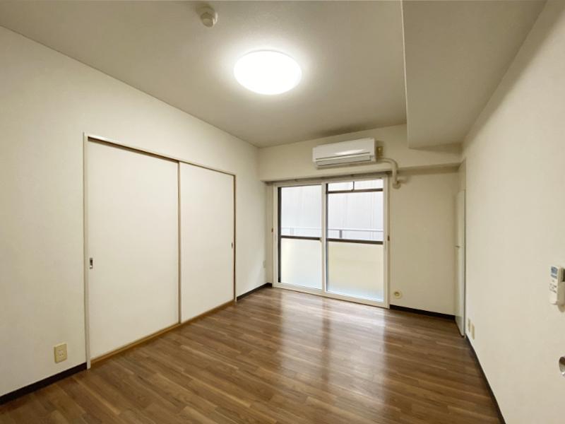 洋室に繋がっています。全部屋エアコン付き