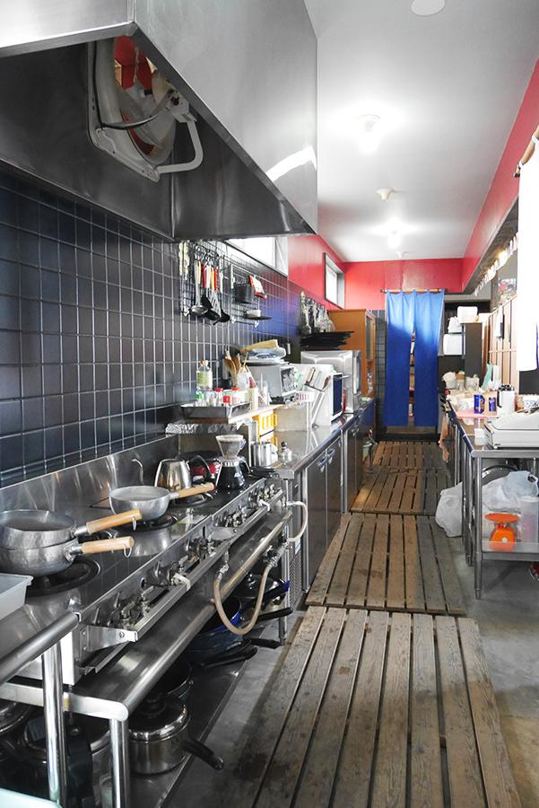 油っぽさを感じないキッチン。驚き。