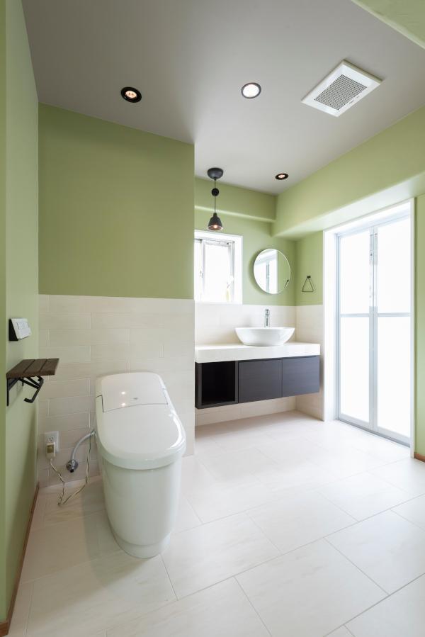 トイレ広い!ホテルライクな一室です。