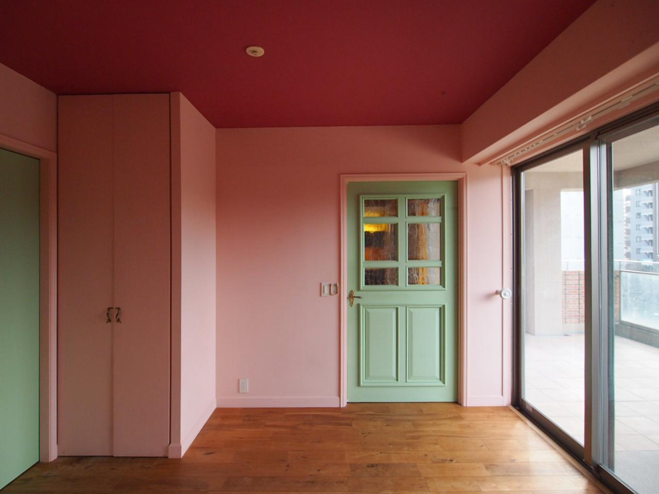 ミントグリーンの扉は、LDKへとつながってます