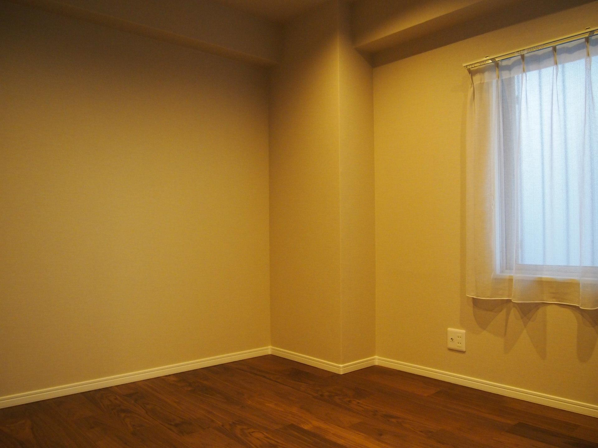 廊下側洋室はこんな感じ。