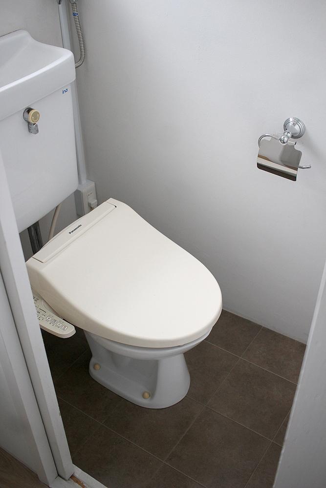 トイレもシンプル。良いセンス。