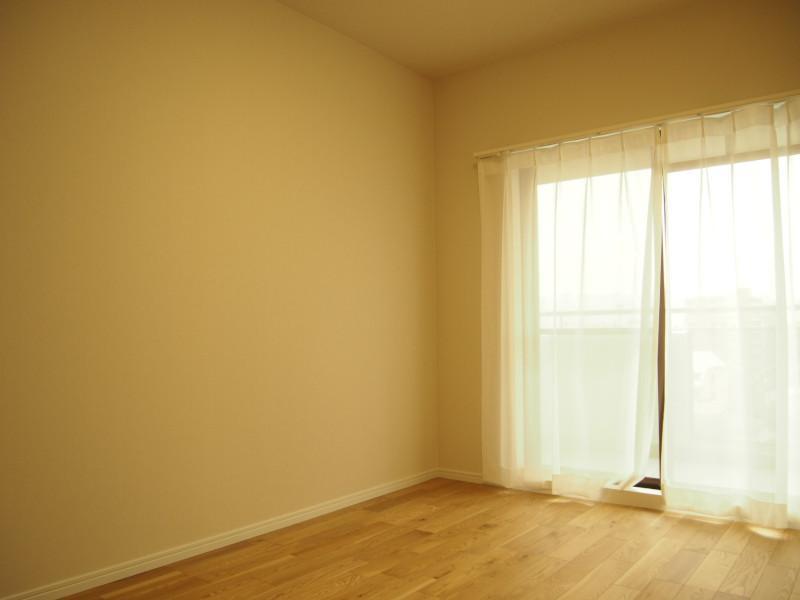 各居室が開口部ごしに外と面しているのもGOOD。廊下向いている窓って暗くなりがちなので。