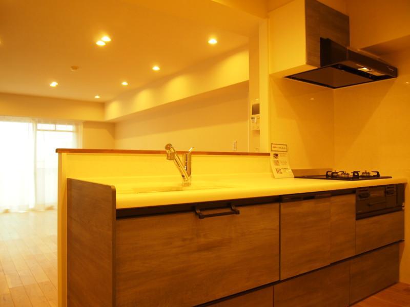家事導線しっかり確保のキッチン。
