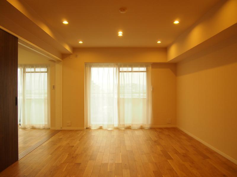 柔らかな風合いの床材が心地よさを演出。