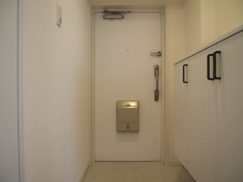 スッキリとした玄関周り。