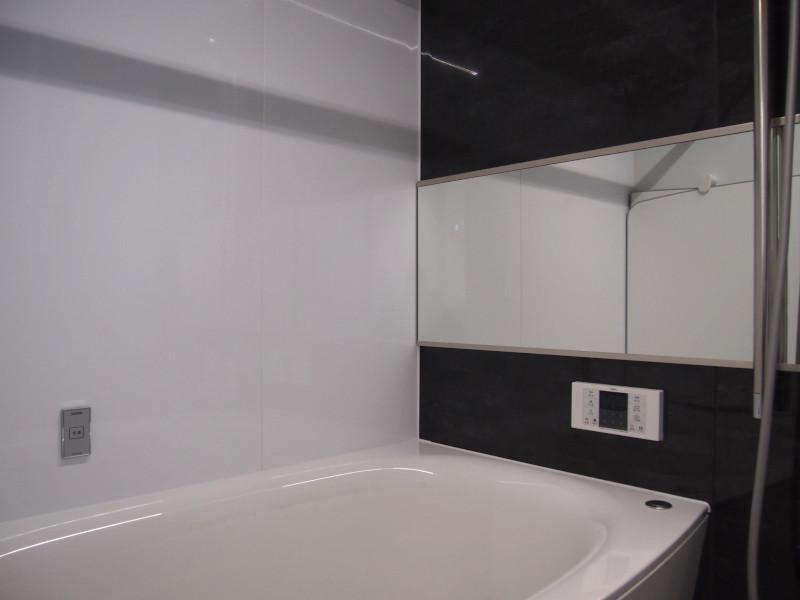 おニューのバスルーム。