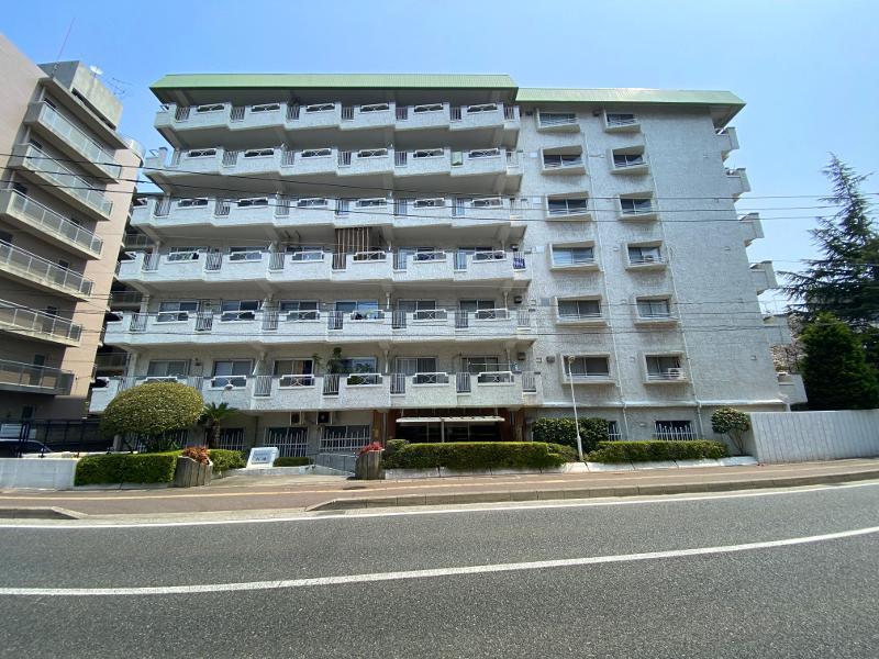 鱗模様のレトロマンション (福岡市中央区大濠の物件) - 福岡R不動産
