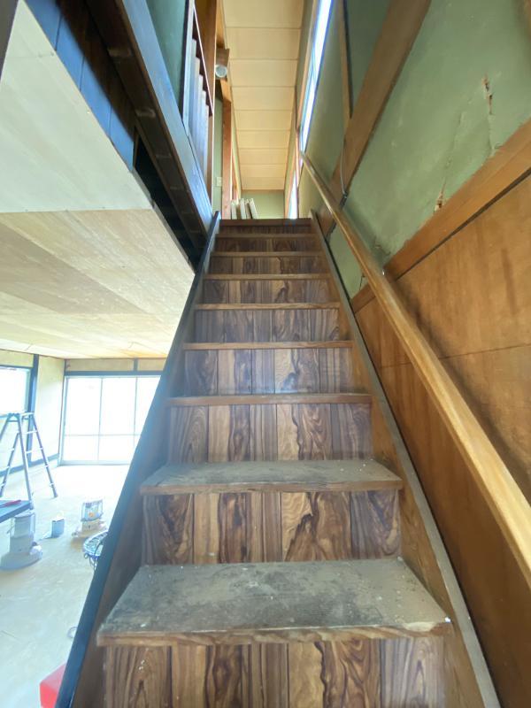階段も渋い