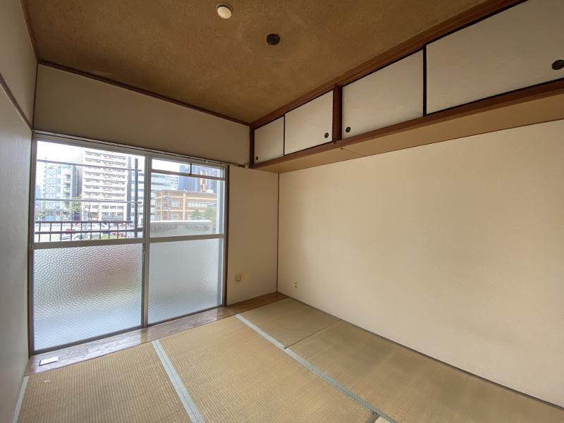 4畳半の和室、天袋付き