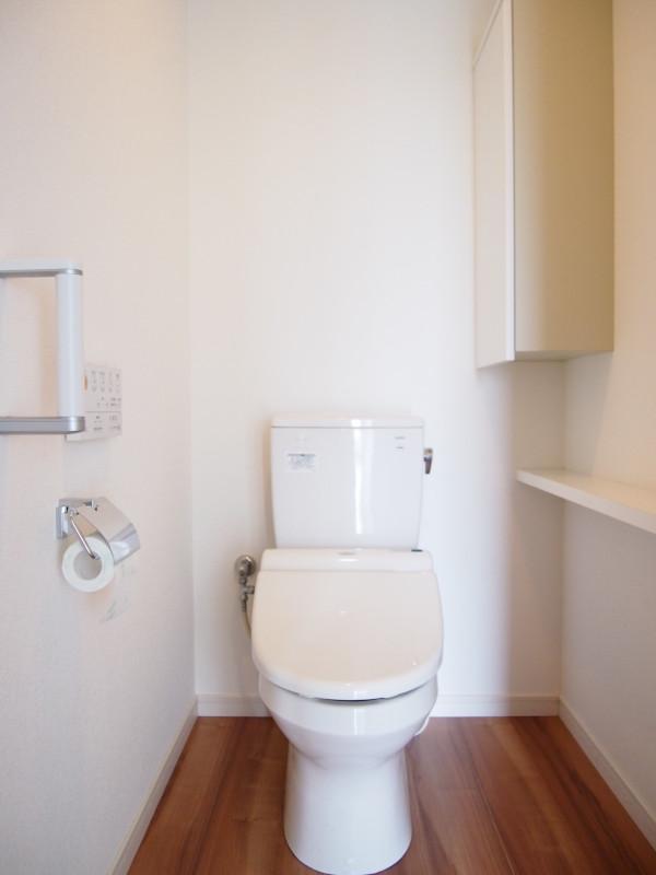 トイレはこちら。ここからはさすがに海は見えません。