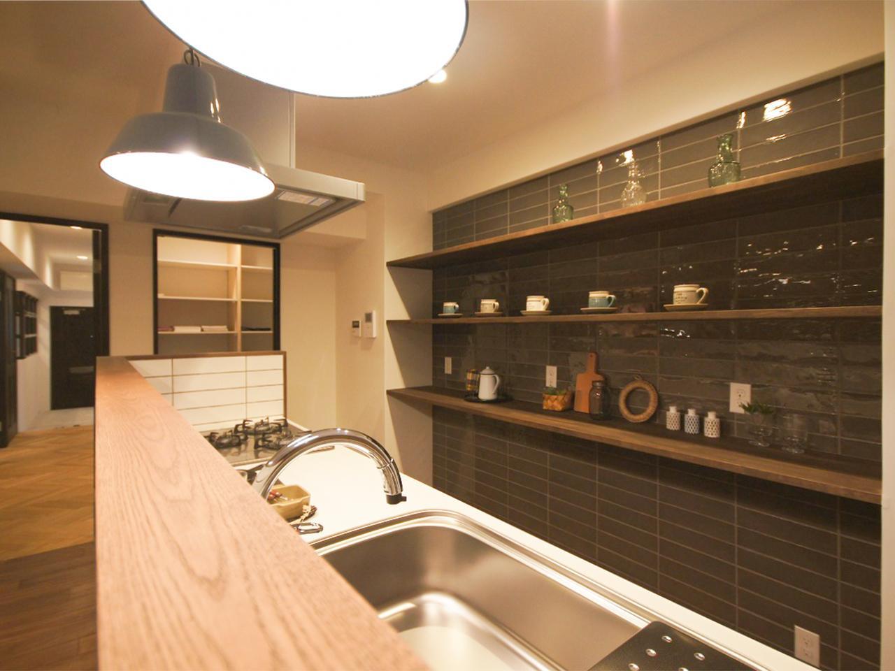 キッチンにも壁面収納あります