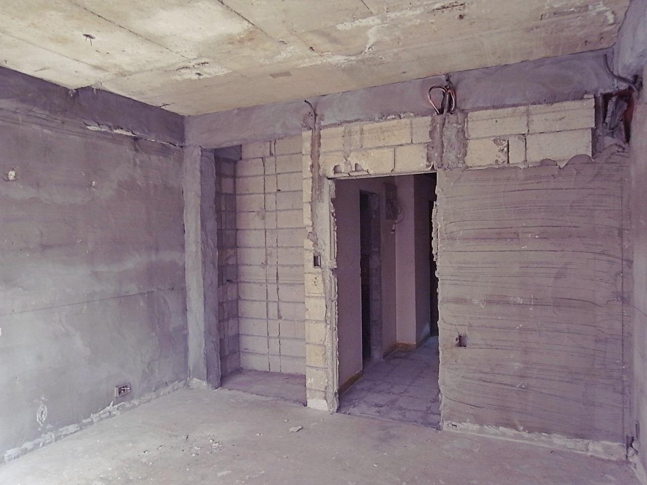 3F。構造に関係ないブロックは撤去相談可能。
