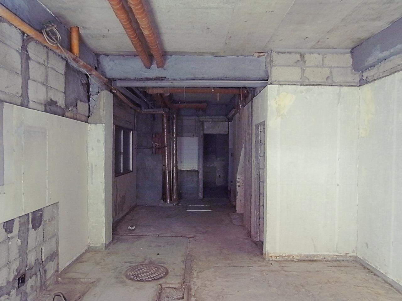 1Fからムキムキのスケルトン。奥にも一部屋あります。