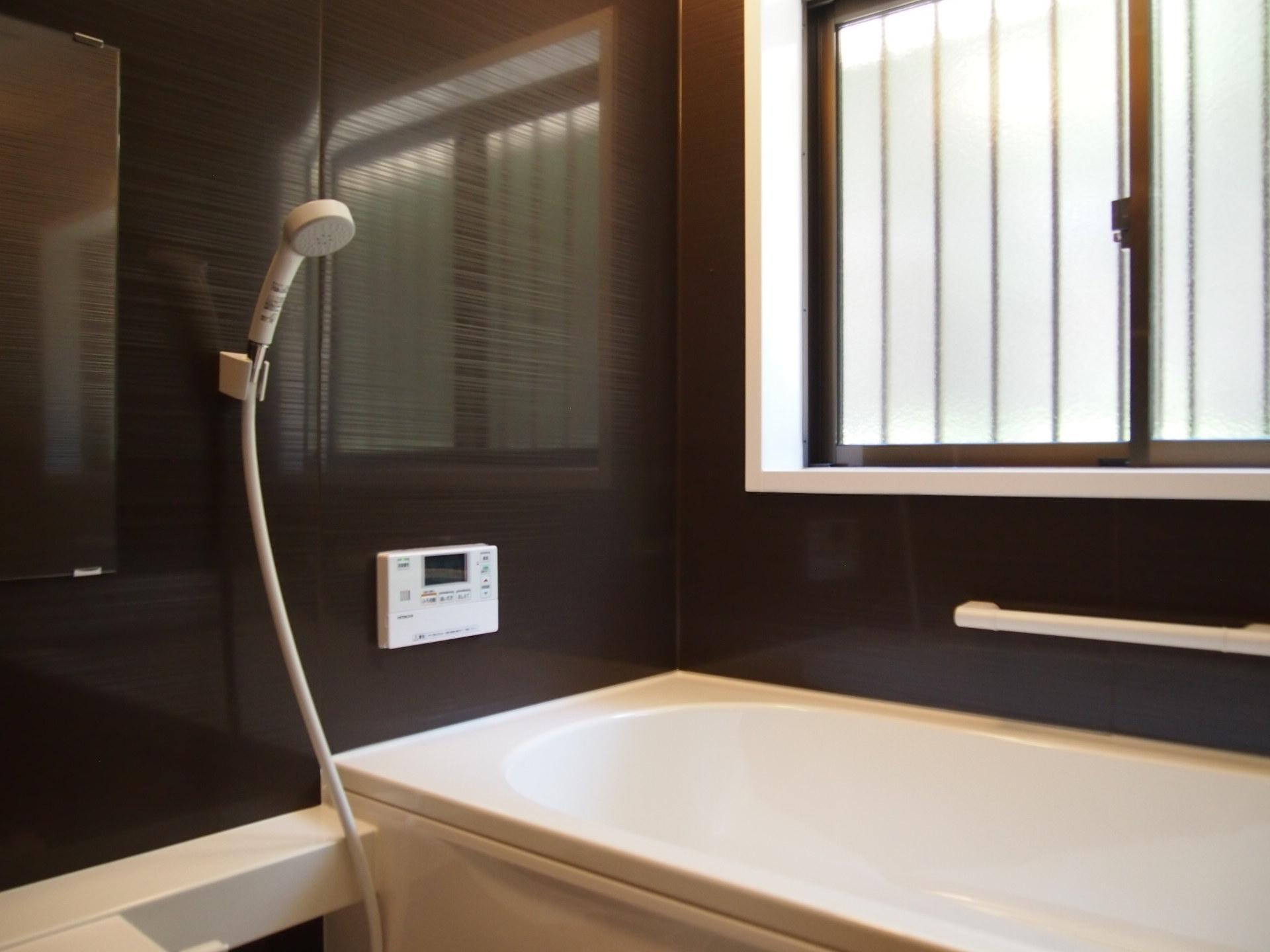 お風呂も一新。これは別荘物件と捉えれば何気に嬉しい!